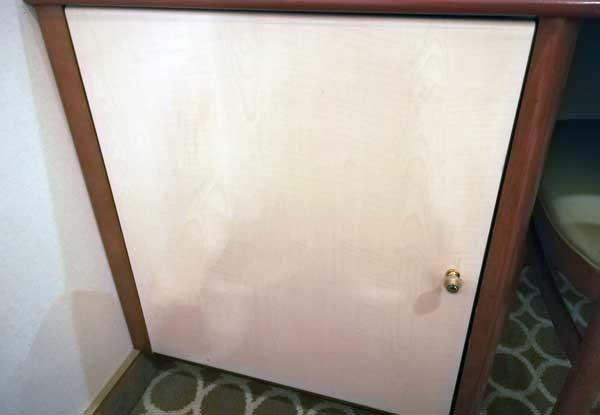 客室冷蔵庫1