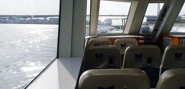 キャプテンライン船内2