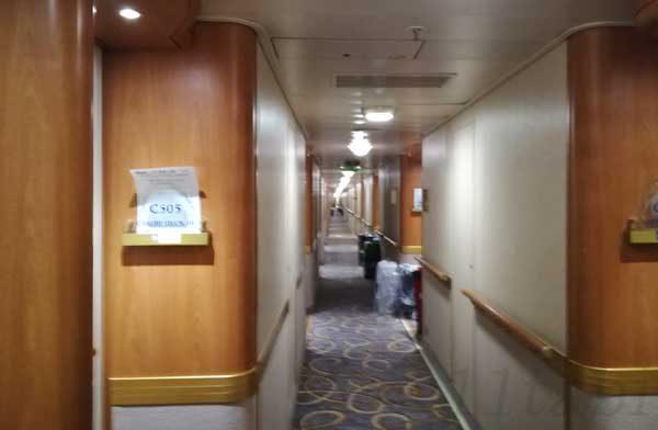 客室廊下2