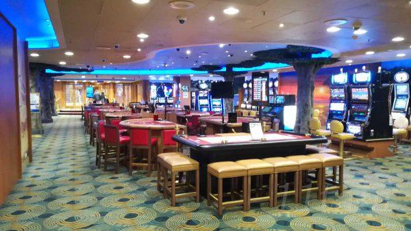 カジノ室内