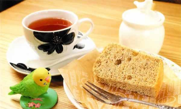 紅茶シフォンケーキと39種類の選べる紅茶のセット