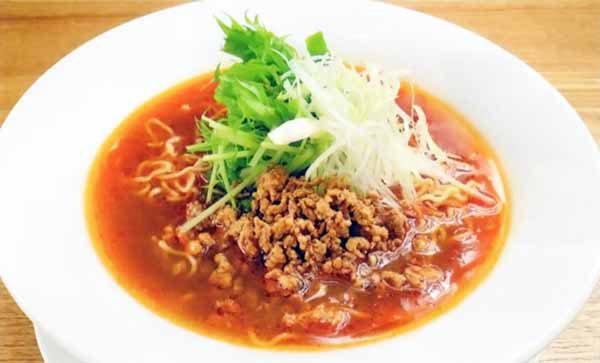 赤みそ鶏白湯麺