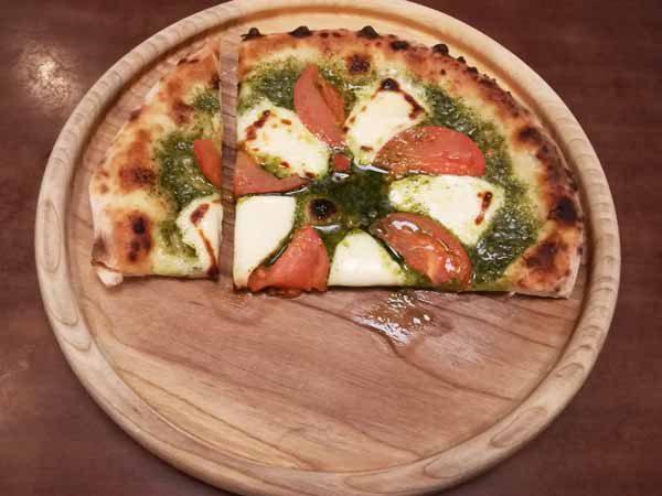 ピザの食べ方2