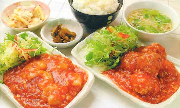エビチリ定食 or コリコリつくねのチリソース煮定食