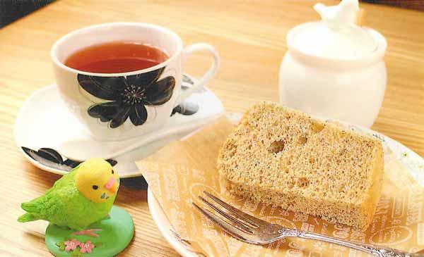 紅茶シフォンケーキと選べる紅茶のセット