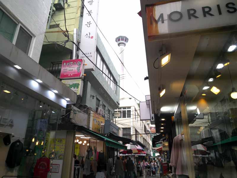 国際市場と釜山タワー