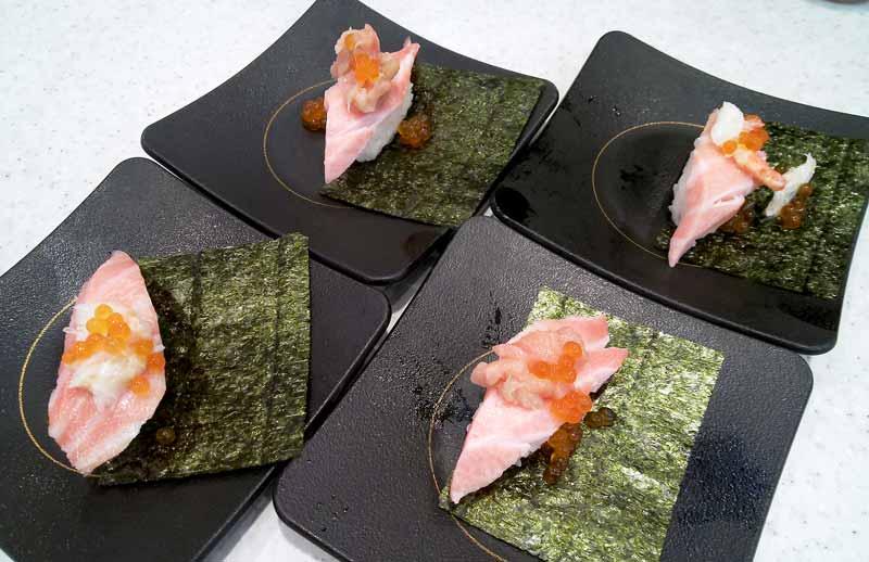 期間限定3段寿司
