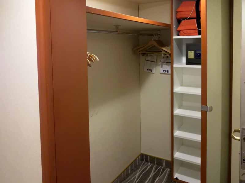 ダイヤモンドプリンセス海側客室収納スペース