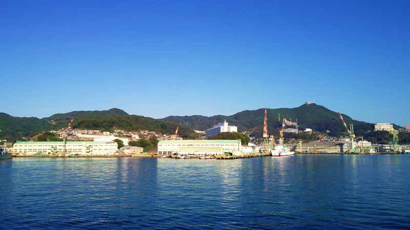 三菱重工業長崎造船所第三船渠とジャイアント・カンチレバークレーン