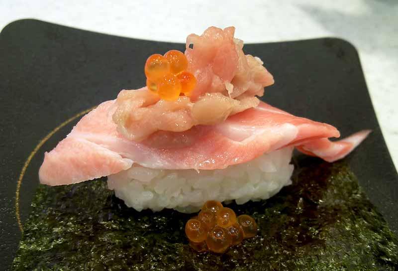3段寿司W大トロいくら
