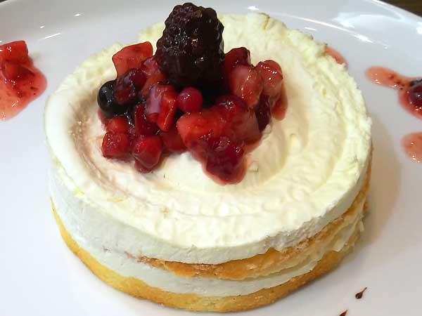 グランブッフェバースデーケーキ